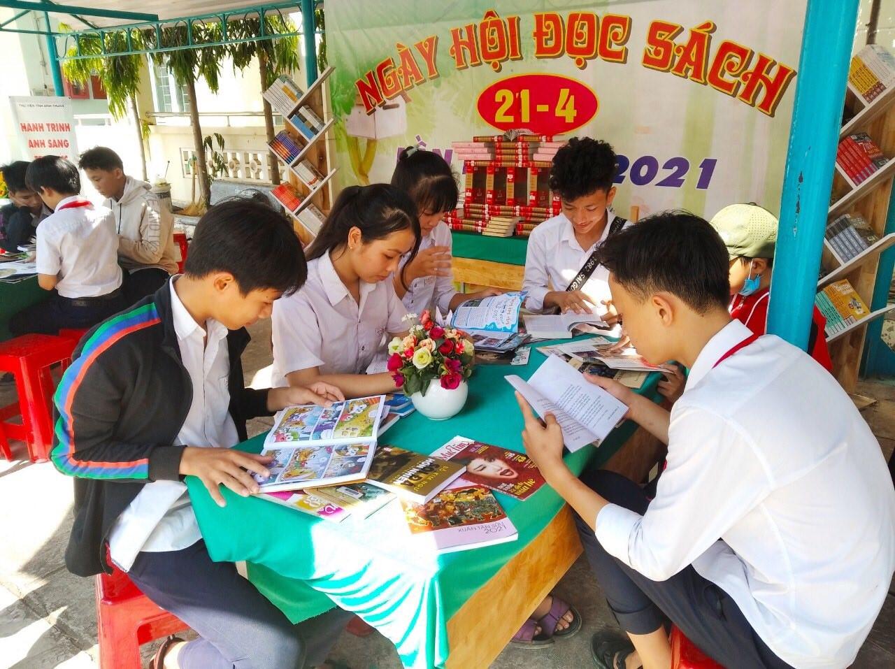 Thư viện tỉnh – Hưởng ứng Ngày sách và văn hóa đọc Việt Nam, lần thứ 8